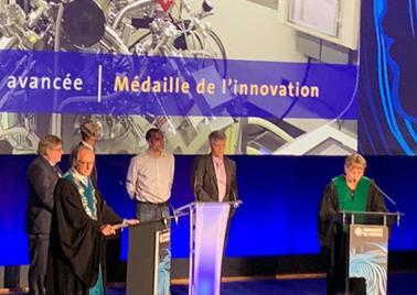 Cérémonie du Dies Academicus, médaille de l'innovation remise au LTA