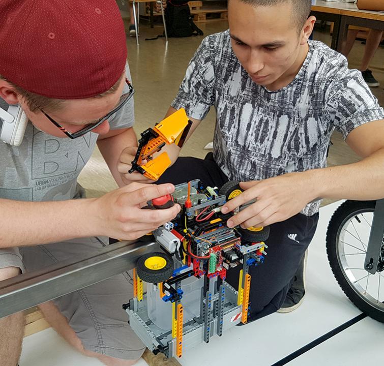 Prototype robot transporteur d'eau 2019