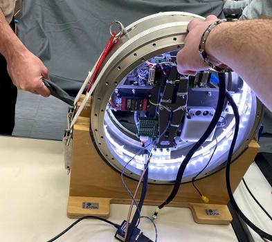 Intégration de l'expérience HADES au sein de la fusée REXUS
