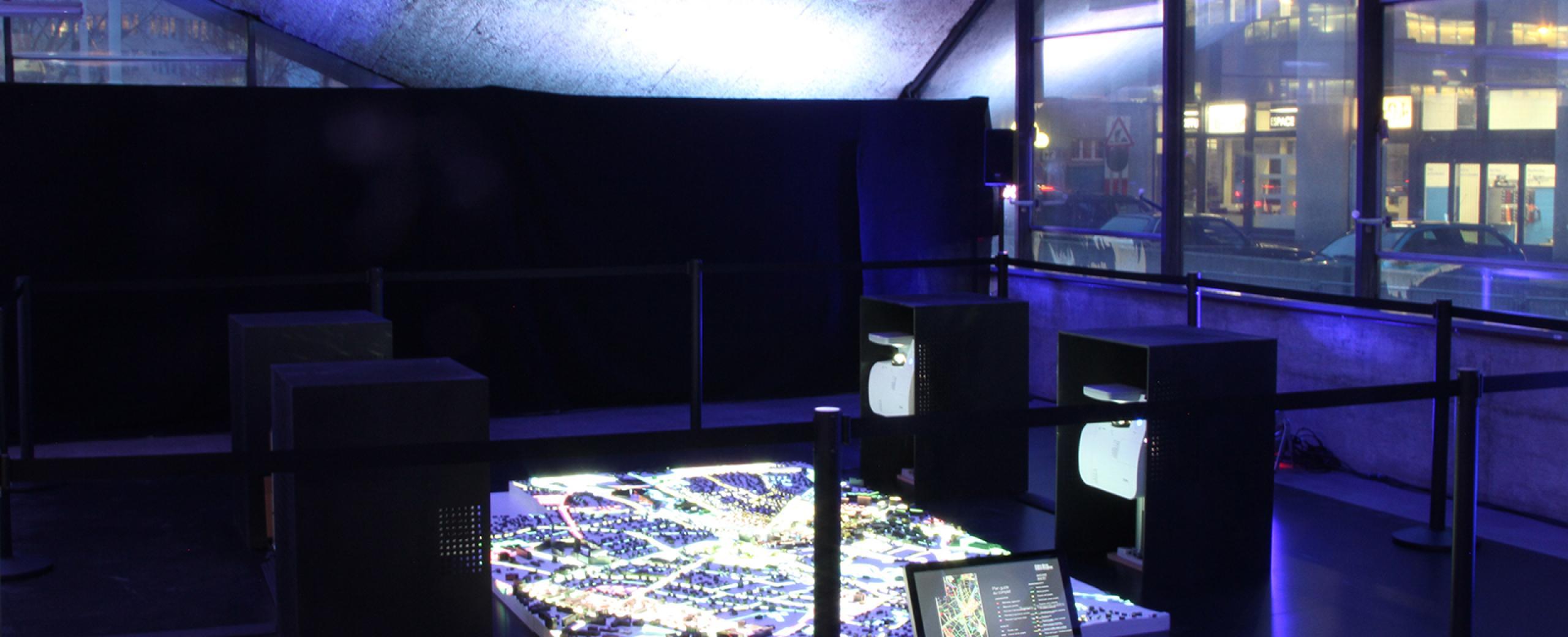 Vidéo-projection de données sur maquette